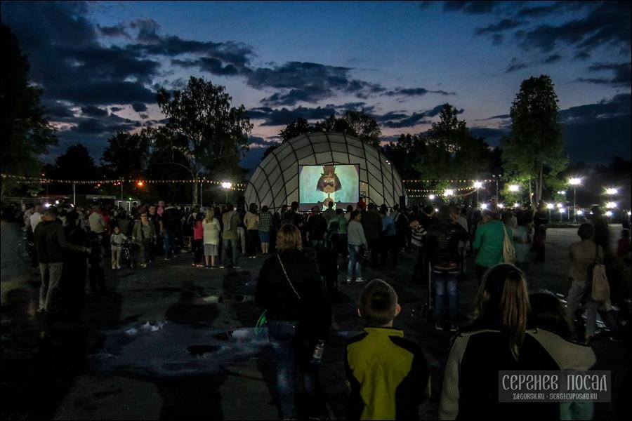 Летний кинотеатр в Хотькове. 27 мая 2016