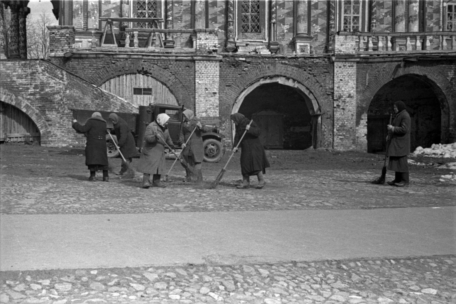 Загорск и его жители на снимках Александра Гринберга. 1939-1941 гг. Часть II
